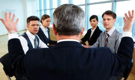 Agency Problem Perusahaan : Antara Pemilik Perusahaan Dan Direksi